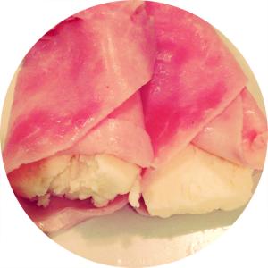 Rollitos de jamón de York con queso de Burgos